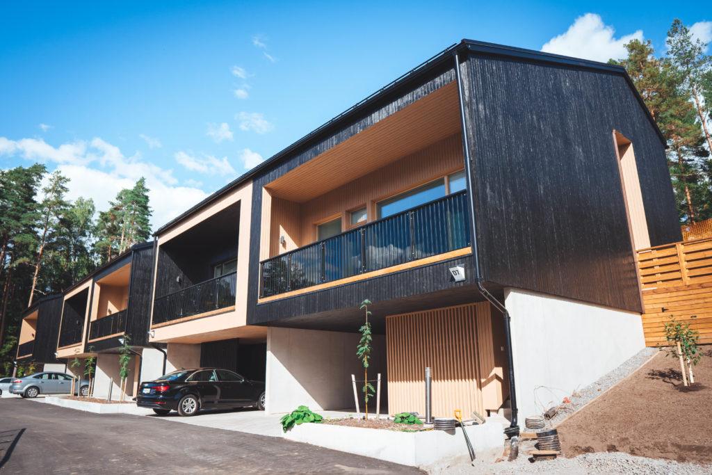 Moderni talo ulkoapäin